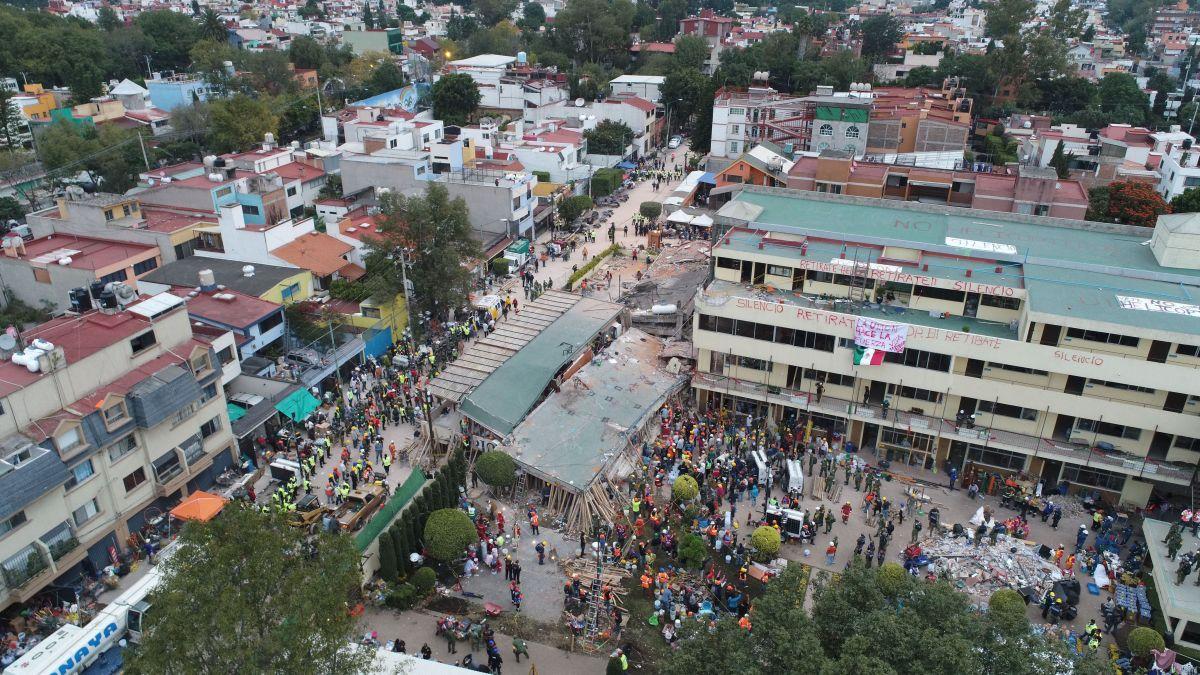 El misterio de Frida, la niña que resiste entre escombros tras terremoto en México