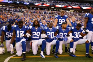Casa Blanca defiende ataques de Trump por protestas al himno en la NFL