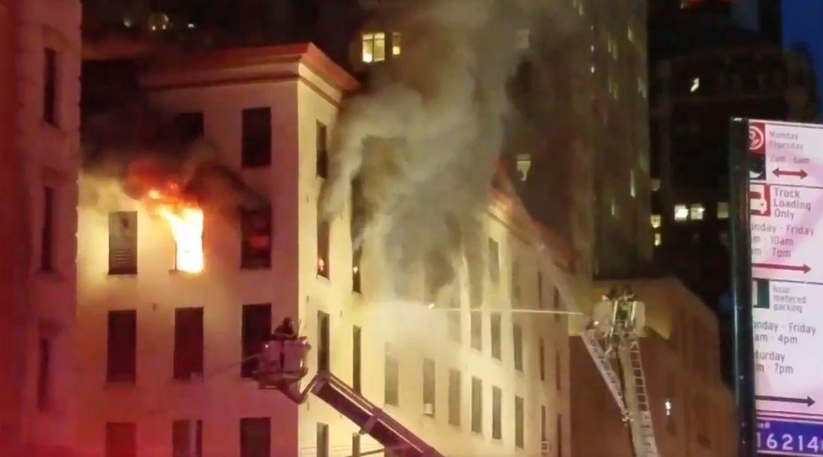 Impresionante incendio en Tribeca dejó 25 bomberos heridos