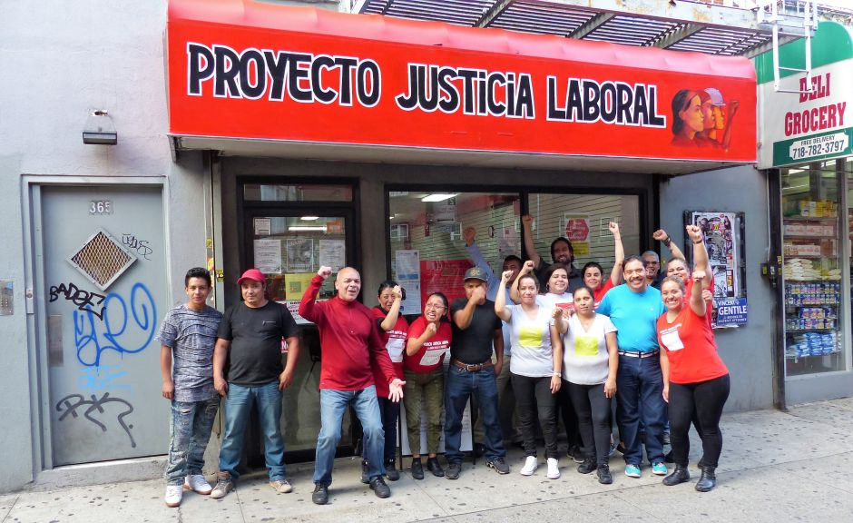 """Jornaleros y empleadas domésticas estrenan """"zona segura"""" en Brooklyn"""