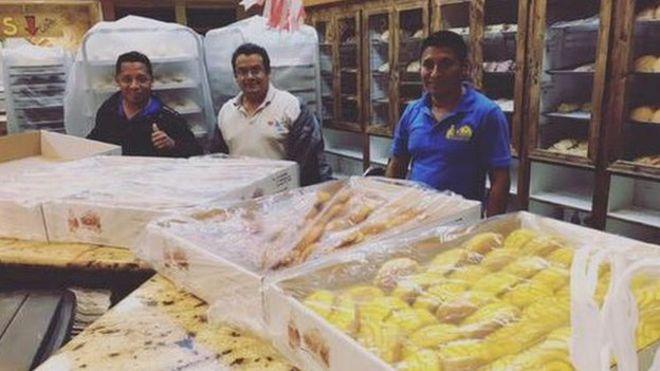 Los panderos utilizaron más de 2.000 kilogramos de harina para hacer pan y otros dulces para los afectados por el huracán.