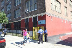 Padres reclaman cara a cara al Alcalde por seguridad en escuelas