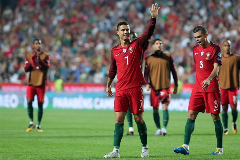 Cristiano Ronaldo clasifica a Rusia 2018 y le mete presión a Lionel Messi