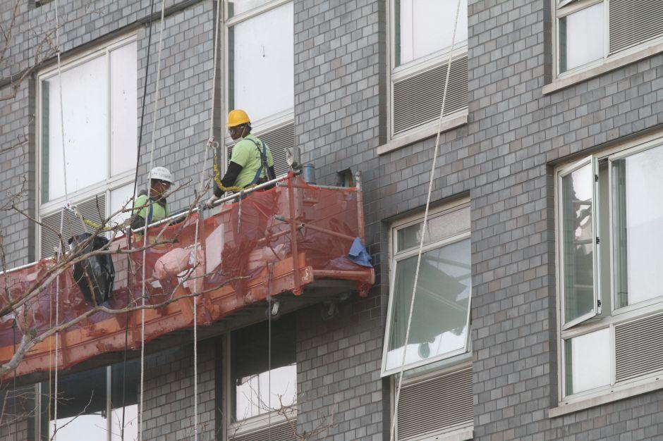 Obreros tienen pocos días para hacer curso y no perder empleo en NYC
