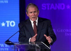 George W. Bush rechaza a supremacistas blancos