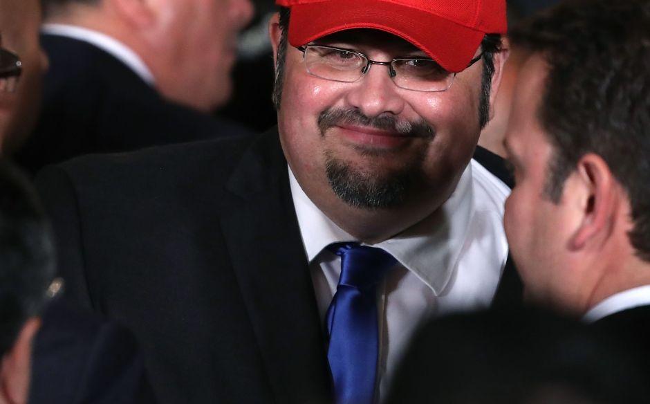 El ofensivo mensaje de un hispano contra hispanos en la Casa Blanca