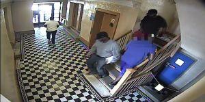 Intentan asaltar a anciana de 91 años haciéndose pasar por empleados de senador
