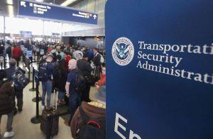 Casi un millón de dólares dejan olvidados los pasajeros en controles de seguridad de aeropuertos en EEUU