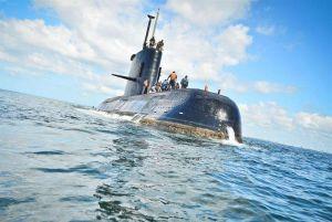 """""""Le rogué que no vaya, era un suicidio"""", dice la esposa de un tripulante en submarino perdido"""