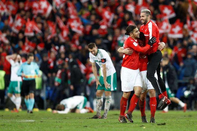 Gracias a un 'chileno' Suiza elimina a Irlanda del Norte y es el nuevo invitado a Rusia 2018