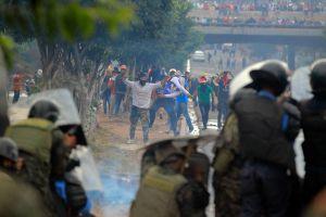 Violencia estalla en las calles de Honduras