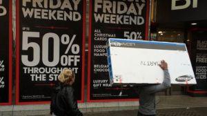 """Las falsas """"ofertas"""" del Black Friday y qué puedes hacer para no caer en ellas"""