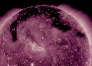 NASA encuentra enorme agujero en el Sol