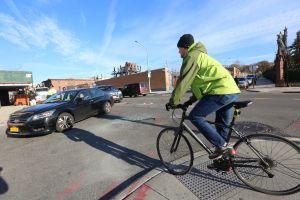 Piden acciones tras muerte de repartidor que se convirtió en el ciclista número 20 en ser arrollado