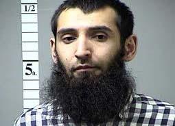 Retrasan 6 meses juicio a terrorista de Halloween para que su familia tramite visas
