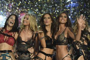 Así se preparan las angelitas de Victoria's  Secret para su desfile anual