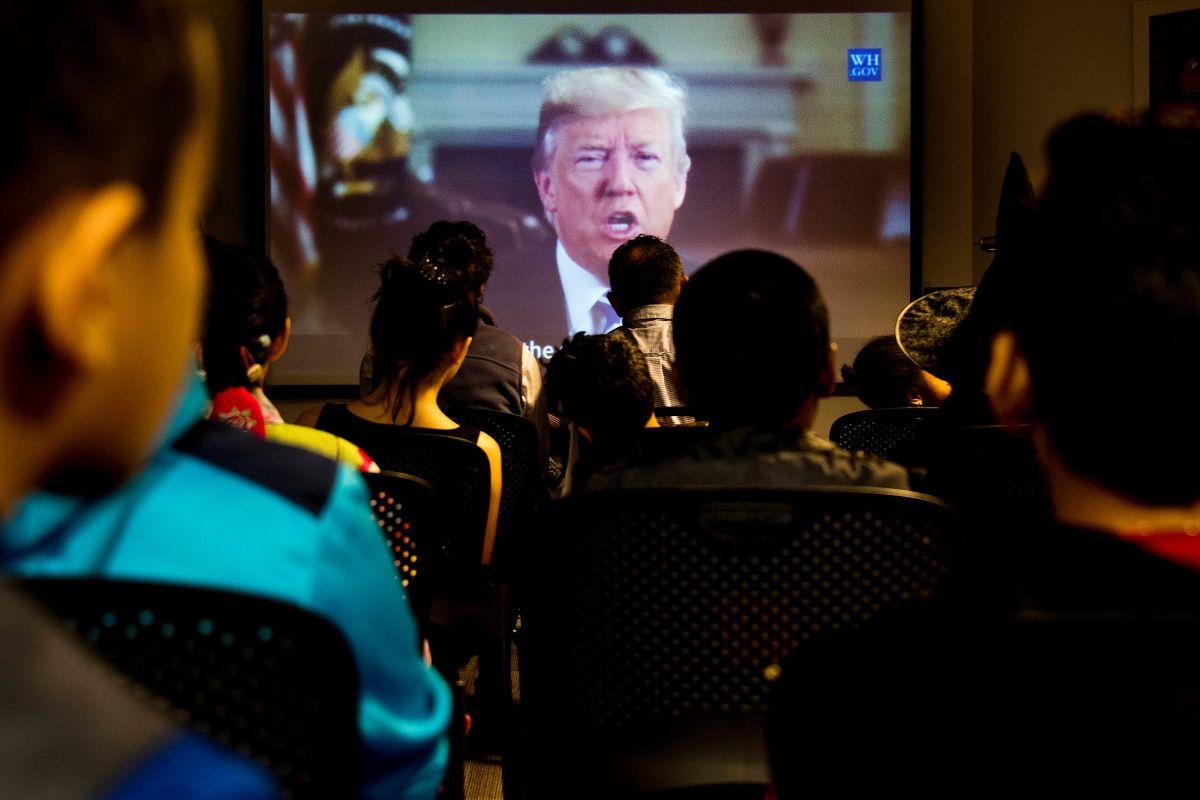 Trump extiende prohibición de visas hasta diciembre