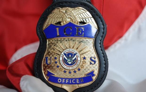 El agente de ICE que ofreció información y luego ¡favores sexuales!
