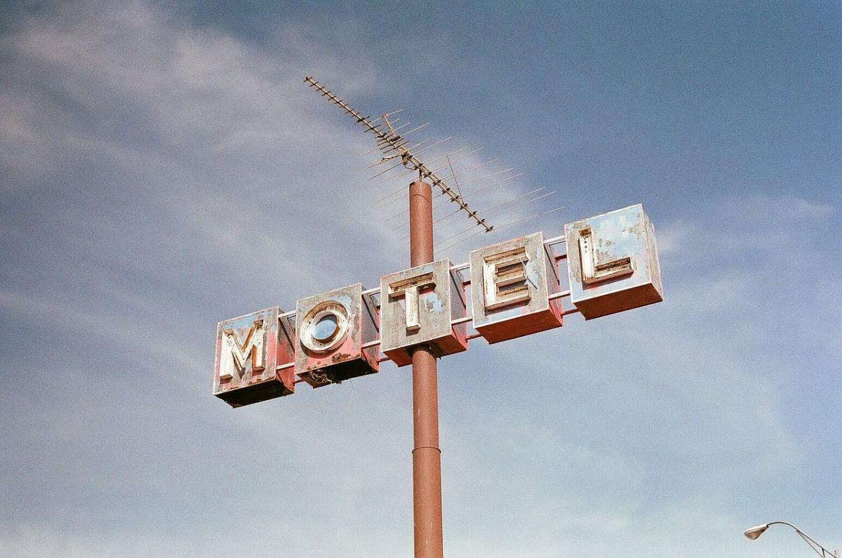 Pareja mata a empleada de motel en Puerto Rico porque se les indicó que tenían que abandonar la habitación