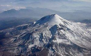 Rescatan a 4 de 5 alpinistas estadounidenses en el volcán Citlaltépetl, México