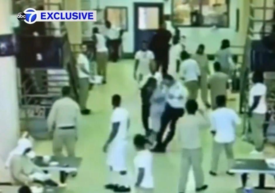 Sube la violencia en cárcel Rikers de Nueva York, aunque hay menos presos