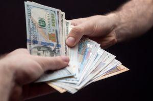Si aún no le llega el cheque de estímulo, deudas de pensión alimenticia podrían ser la causa
