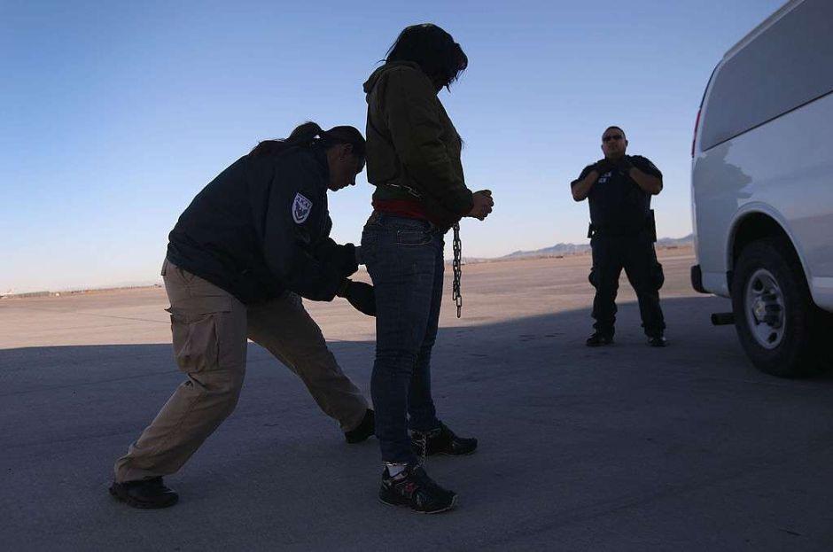 Atrasos en cortes afectan a más de 650,000 inmigrantes