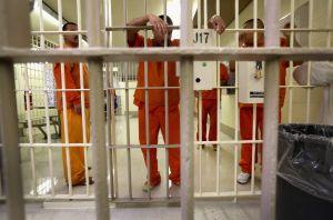 Informe interno del DHS delata maltrato de detenidos por ICE