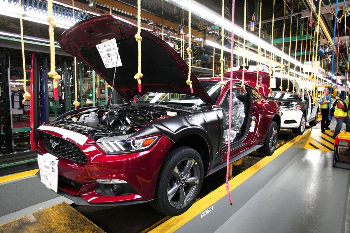 Ford desafía política de Trump y mudará parte de producción a México