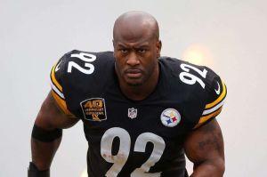A días de ser cortado por Pittsburgh James Harrison ya muestra su lado más 'Patriota'