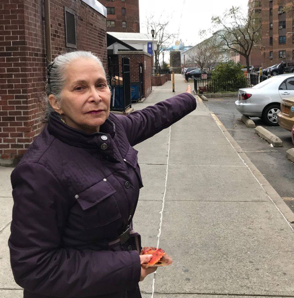 Vecinos temen quedar asfixiados por toneladas de basura