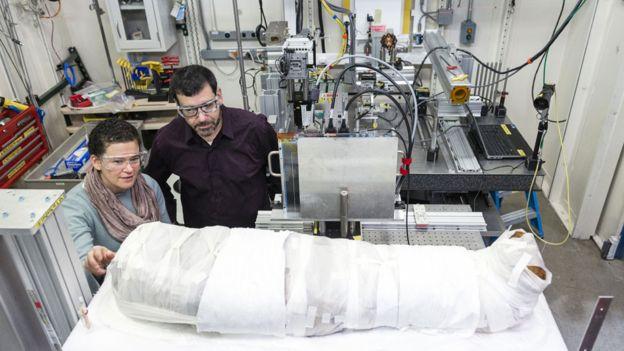Un siglo después, revelan los secretos de momia en Chicago