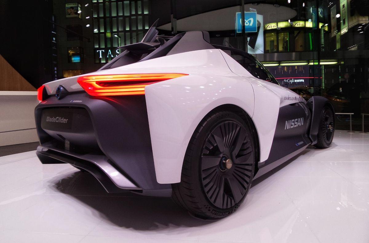 Cinco tecnologías que veremos en los autos del futuro y que parecen broma