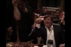 Mira cómo el famoso 'Salt Bae' impresiona al 'Piojo' Herrera