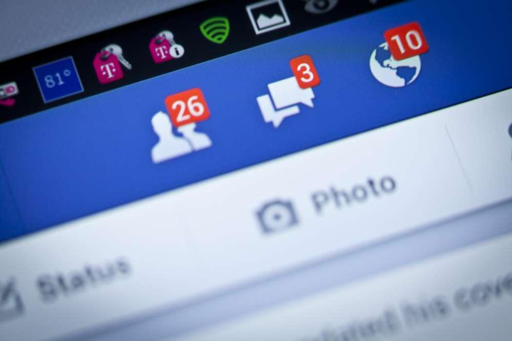 "Mata a puñaladas al marido por haberle dado ""Me encanta"" a fotos de otras mujeres en Facebook"