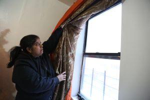 """Inquilinos de El Bronx afrontan """"ciclón bomba"""" sin calefacción"""