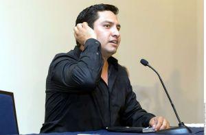 Julión Álvarez confesó que tiene que pedir prestado para vivir