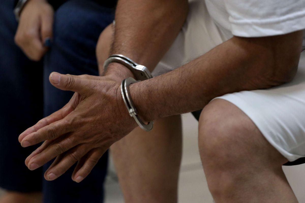 Hispana se cansa de la masturbación de los presos y entabla demanda en Florida