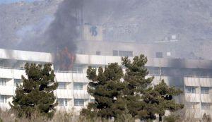 Video: Al menos 12 muertos deja ataque a lujoso hotel en Kabul