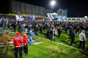 Suspenden partido entre Estoril y Porto por temor a colapso de una tribuna