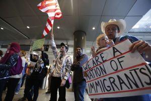 Tribunal Supremo revisará veda de Trump a inmigrantes de países musulmanes