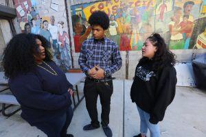 Estudiantes toman en sus propias manos la lucha contra el 'bullying'