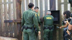 Suspenden apertura del muro en frontera Tijuana-San Diego para reunificación