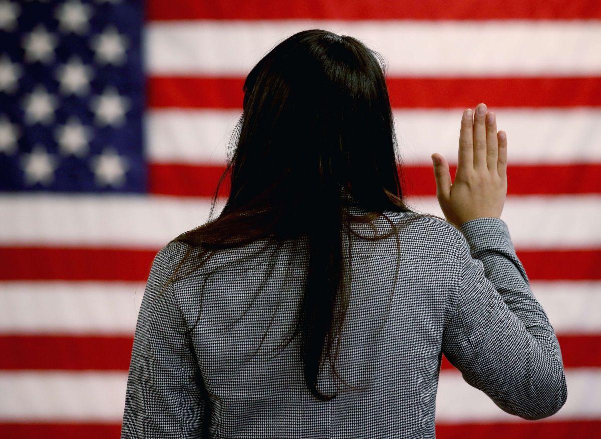 Proyecto de ley para dar ciudadanía a ciertos indocumentados avanza en el Congreso