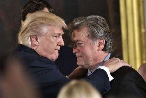 Detienen a Steve Bannon, exjefe de asesores de Trump, por fraude con fondos para el muro