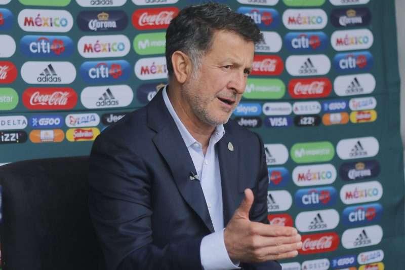 Osorio le es 'infiel' a su base europea y llama al Tri a cinco nuevos jugadores