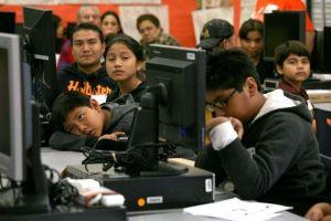 Google lanza curso de Tecnología de la Información con acceso a empleos y becas
