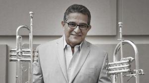 """Luis """"Perico"""" Ortiz celebra 55 años de carrera"""