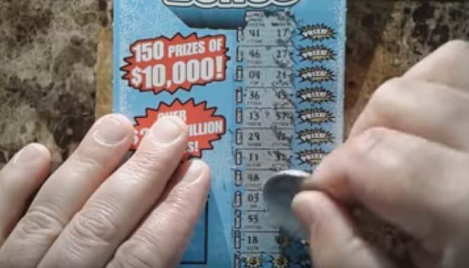 Empleado de tienda roba a clienta tiquete ganador de lotería de $1 millón