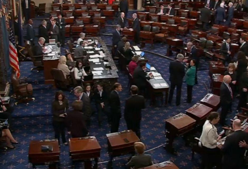 Senado alcanza acuerdo para reabrir el gobierno